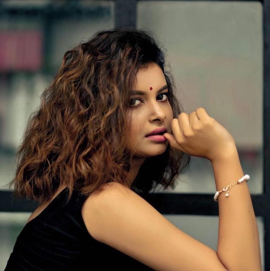 Sabnam Faria modeling photo
