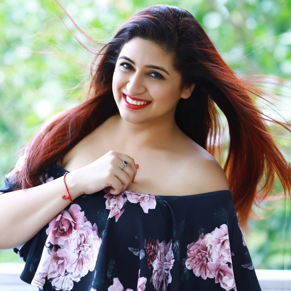 Vahbiz Dorabjee biography