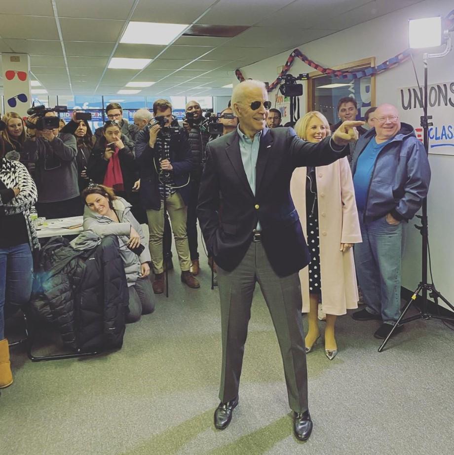 Joe Biden viral photo