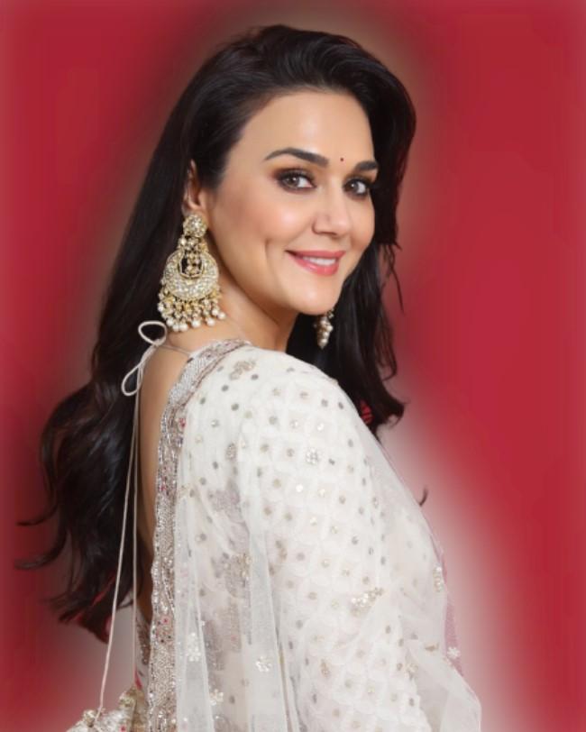 Preity Zinta bio