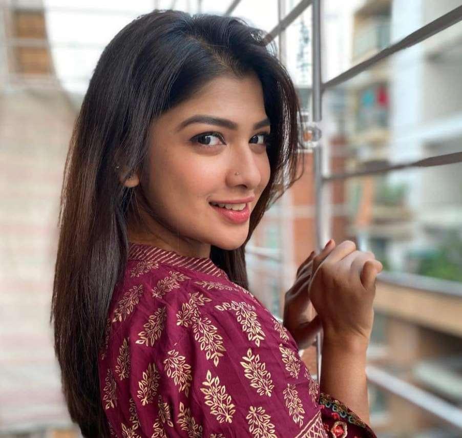 Sarika Sabah looking photo