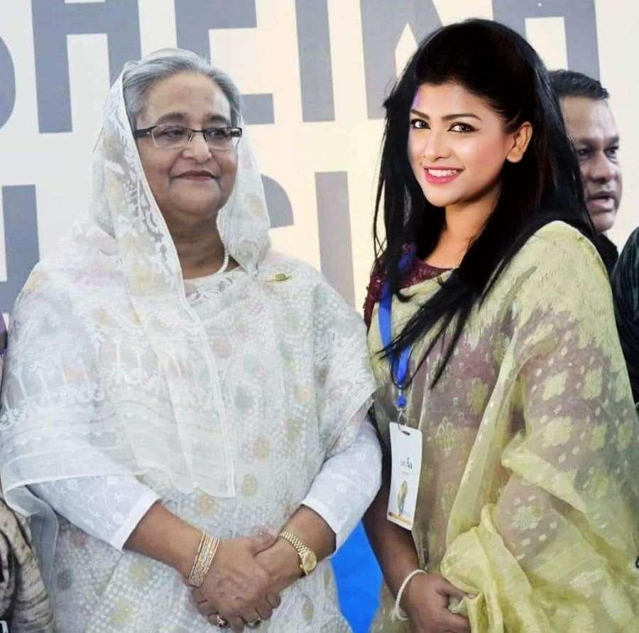 Sarika Sabah & Sheik Hasina photo