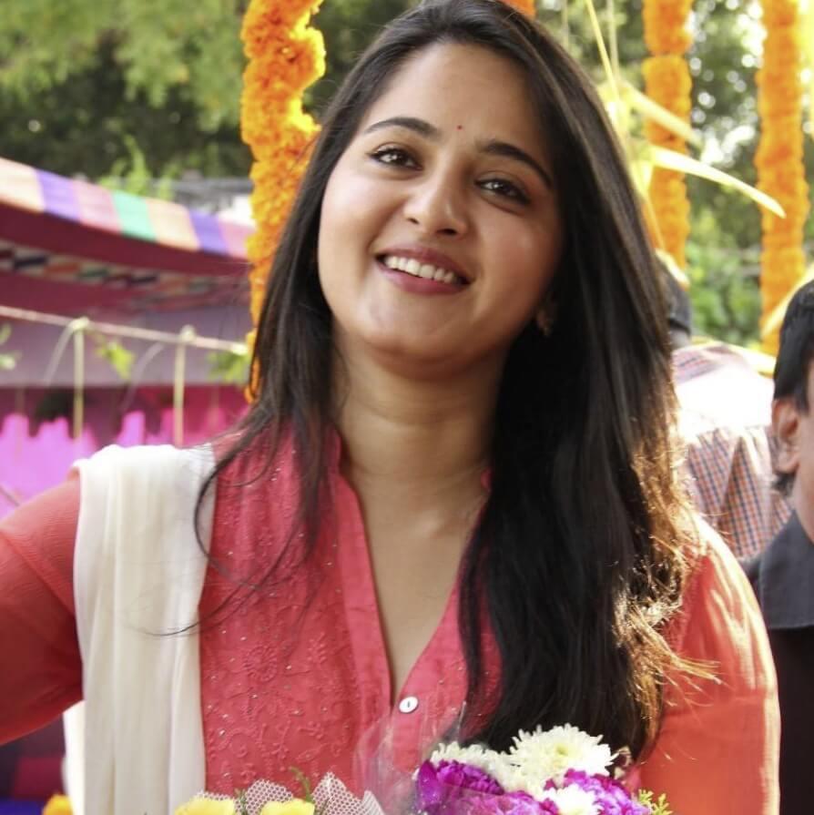 Anushka Shetty HD sweet pics