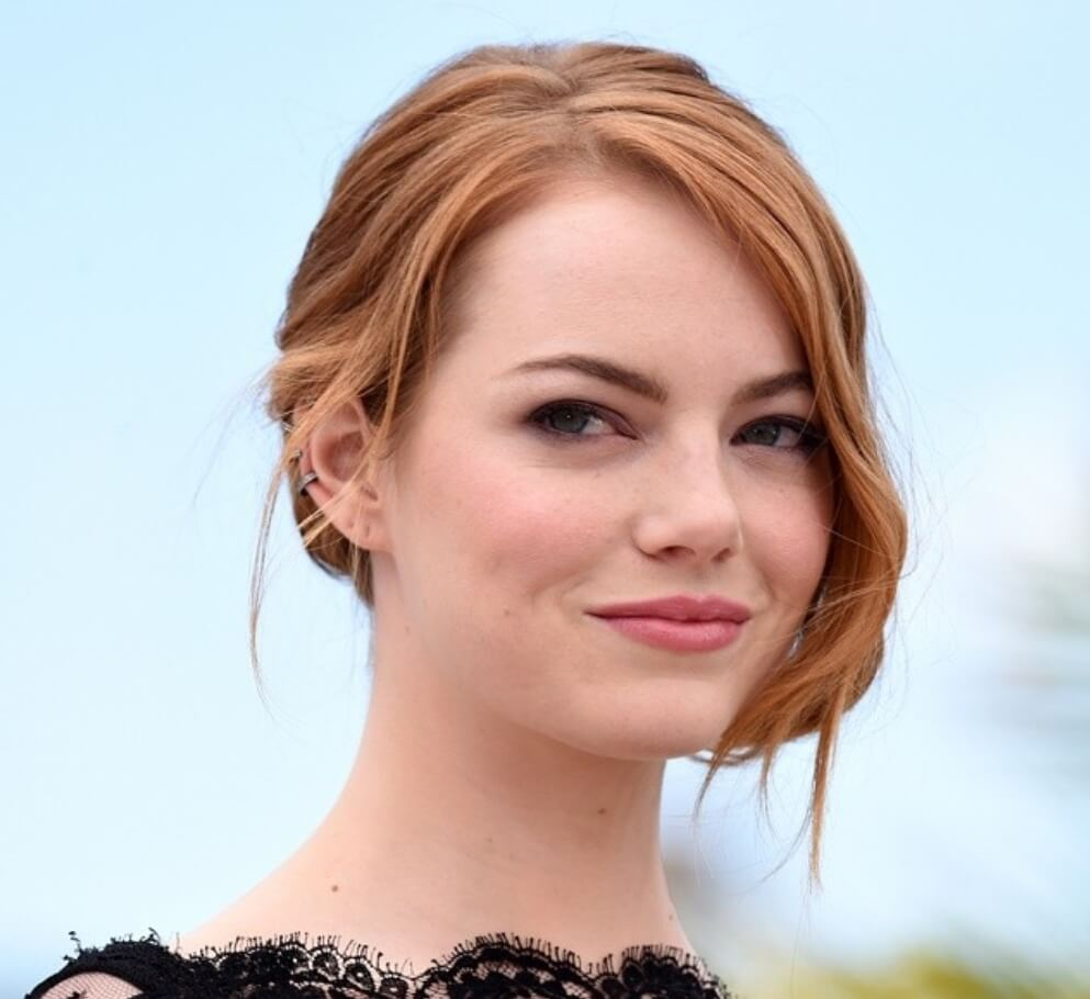 Emma Stone looking picture