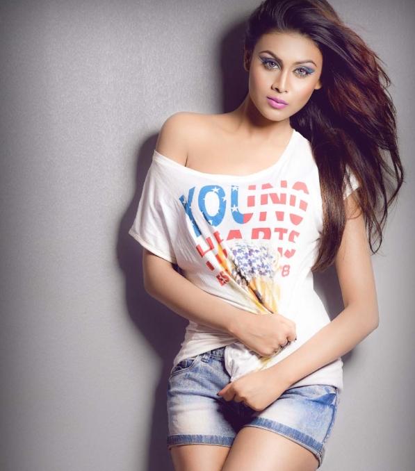 Meghla Mukta Viral fashion image