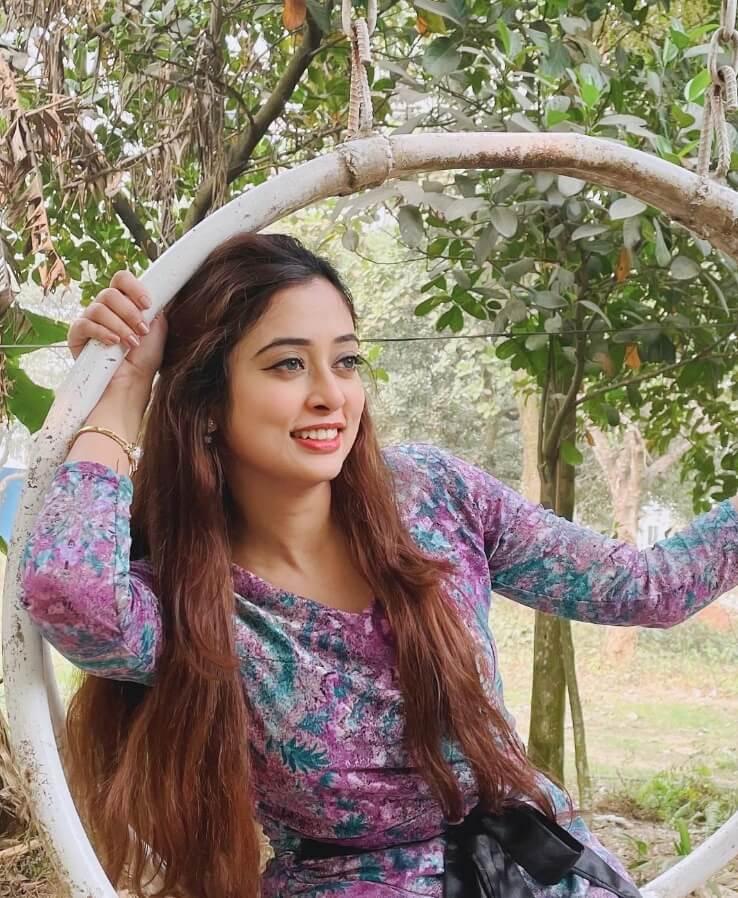 Nishat Nawar happy picture