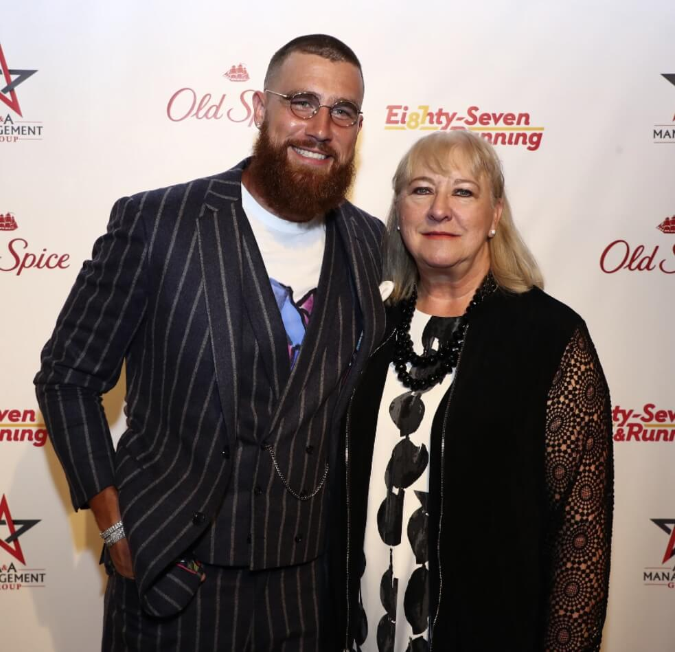 Travis Kelce Mother  picture