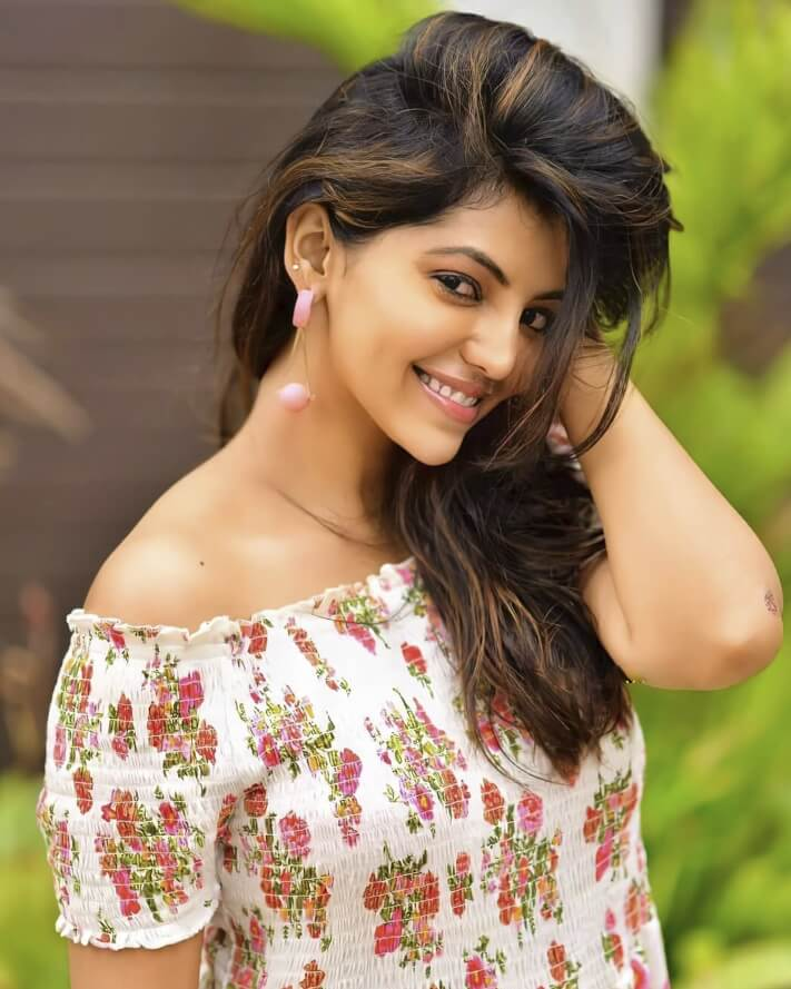 Athulya Ravi Best looking picture