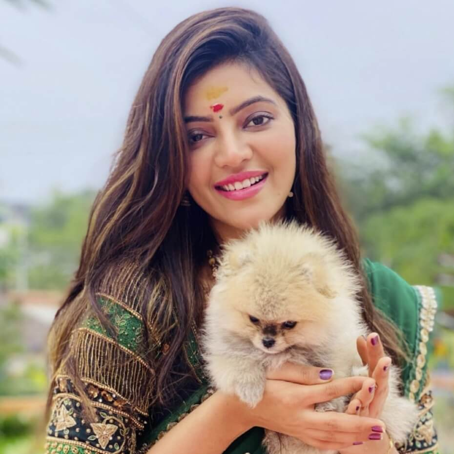 Athulya RaviFor Dog picture