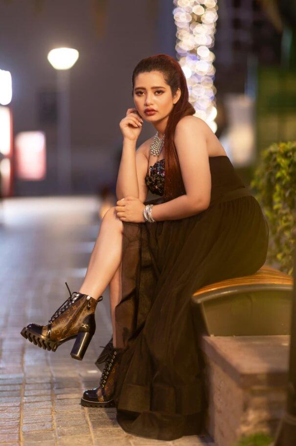 Ena Saha HD night picture