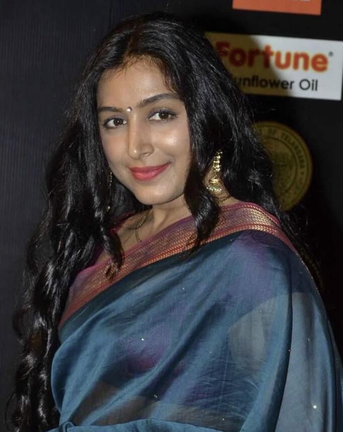 Padmapriya Janakiraman Sharee picture